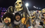 مسرح متحرك يصدم مشاركين في مهرجان ريو دي جانيرو