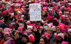 """مسيرة """"بوسي هاتس"""" تجذب أكثر من 10 آلاف امراة في زيورخ"""