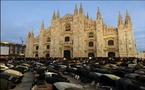 جدل في ايطاليا اثر صلاة متظاهرين مسلمين امام كاتدرائية ميلانو