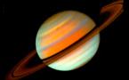 """مركبة """"كاسيني"""" الفضائية تستكشف نظام كوكب زحل"""