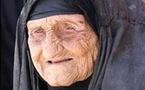 95 حفيدا يزفون جدهم على عروس تسعينية بالسعودية