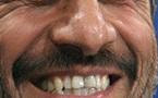 احمدي نجاد يتقدم على منافسيه في انتخابات الرئاسة الإيرانية بنسبة صغيرة
