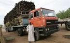 سائقون سودانيون يمارسون أخطر المهن في العالم خلال نقلهم المؤن إلى اللاجئين في دارفور