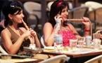 الأتراك حائرون أمام قرار منع التدخين وأصحاب مقاهي النرجيلة قلقون على المستقبل