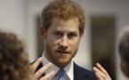"""الأمير هاري """"فكر في الابتعاد"""" عن حياة العائلة المالكة"""