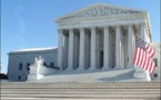 المحكمة العليا الأمريكية تسمح بتنفيذ جزئي لقرار حظر السفر