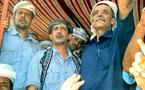 الفضلي رفض أنذار الرئيس لمغادرة اليمن وأول الردود قتل 4 جنود وتفجير مقر للحزب الحاكم