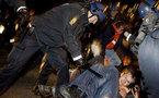 الشرطة الدنماركية تجلي بالقوة طالبي لجوء عراقيين من كنيسة استقروا فيها ثلاثة أشهر