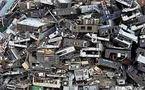 معلومات عالمية عسكرية بالغة السرية ملقاة على أرصفة الشوارع في غانا ساحة النفايات الالكترونية