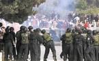 يهود متشددون يؤزمون الموقف .....صدامات في باحة الأقصى والسلطة تحذر من تداعيات أقتحامه