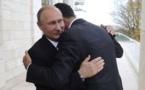 بوتين حاضناً الأسد.عناق يلخّص السيادة  وتندر في مواقع التواصل