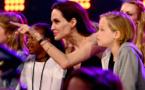 الأطفال يعيدون الحياة إلى علاقة أنجلينا جولي ووالدها