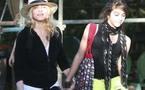 فتاة مادية ....مادونا تطلق مع ابنتها مجموعة أزياء للمراهقين تحمل اسم إحدى أشهر أغانيها