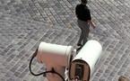 كاميرات المراقبة في بريطانيا باتت تعري كل شيء والمارة لم يعودوا مجرد وجوه في الزحام