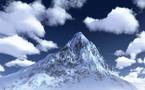 """متسلقو الجبال ينظفون """" ايفرست """" أعلى قمة في العالم من العبوات والخيام وجثث زملائهم"""