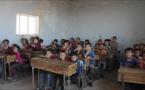 أطفال إدلب يسعون متابعة تعليمهم رغم دمار مدارسهم