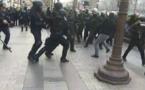 """القبض على 737 من متظاهري """"السترات الصفراء"""" في باريس"""