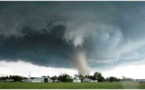 """إعصار """"إيداي"""" يودي بحياة 43 في زيمبابوي وموزمبيق"""