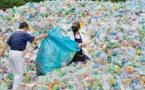 آسيا الفقيرة تنتفض في وجه نفايات البلاستيك القادمة من الدول الغنية