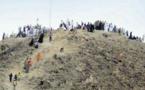 """""""الشاذليون"""" فوق جبل حميثرة لرؤية أنوار بلاد الحجاز يوم عرفة"""