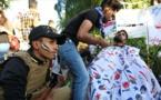 في ساحة التحرير ببغداد..طباخون وحلاقون وصيادلة