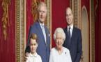 صورة جديدة لملكة بريطانيا مع ورثة العرش بمناسبة العام الجديد