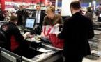 ميركل تحافظ على عادتها في التسوق حتى في ظل أزمة كورونا