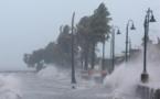 إعصار إساياس يصل ساحل أمريكا الشرقي برياح أشد من المتوقع