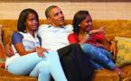 مراهقتان في البيت الأبيض... ابنتا أوباما تكبران مقيدتين بالأضواء والفضوليين