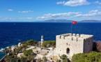 """قلعة """"غوفيرجين أدا"""" التركية تسافر بزوارها عبر التاريخ"""