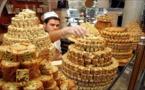 الفقر والعنف أفقدا دمشق مدينة الطيبات وسكانها الذواقين طعم الحلويات