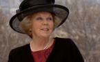 """ملكة هولندا ذات ال""""75"""" عاماً تعلن انها ستتنازل عن العرش الربيع المقبل"""
