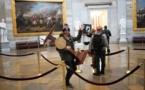 اعتقال حامل منصة بيلوسي خلال أعمال الشغب بالكونغرس الأمريكي