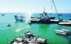 إقالة مدير ميناء سقطرى لكشفه تفريغ معدات عسكرية إماراتية