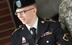 محاكمة القرن ... برادلي مانينغ مخبر ويكيليكس يمثل أمام محكمة عسكرية