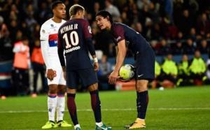 باريس سان جيرمان يحاول وأد الصراع بين نيمار وكافاني
