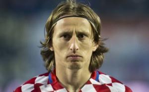 مودريتش يتوج بجائزة أفضل لاعب في كأس العالم