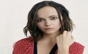 بعد زواج دام 7 سنوات الممثلة كريستينا ريتشي تطلب الطلاق