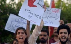 صحفيات باكستانيات يتعرضن للتهديد بسبب عملهن